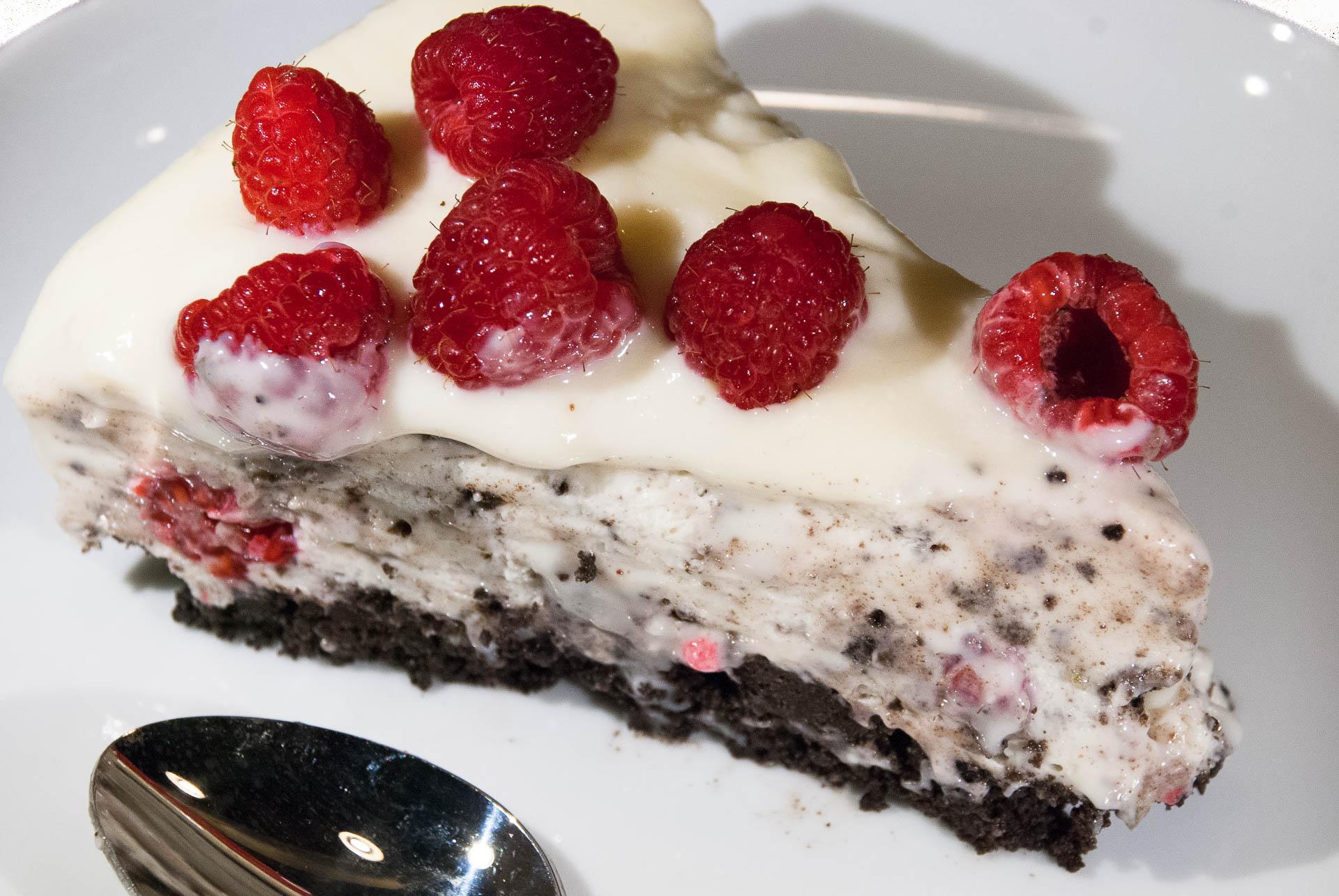 Oreo ostekake med bringebær