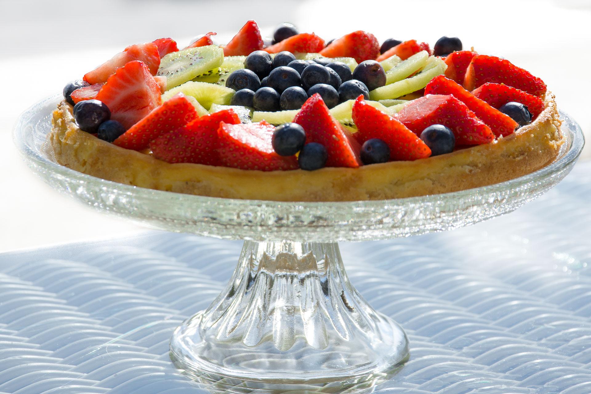 Ostekake med friske bær